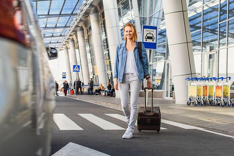 Aéroport de Fort-de-France, louez votre véhicule dès la sortie de l'avion