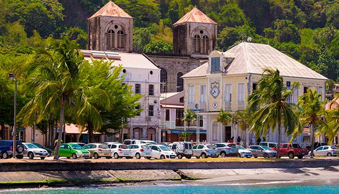 Quelle voiture louer pour votre road-trip en Martinique ?